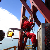 Installation, inspection and maintenance service for drilling derrick