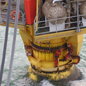Inspection and maintenance service to offshore oil facilities